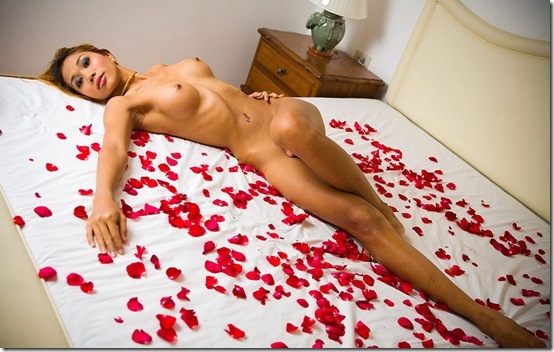 ladyboy-gold-moo-on-a-bad-of-roses